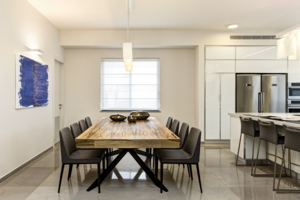Dining table light fixture